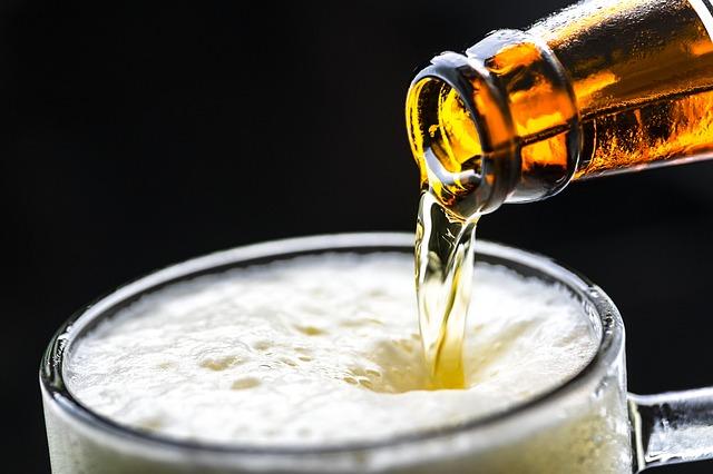 foto di birra per simboleggiare che l'alcol non è indicato per papà